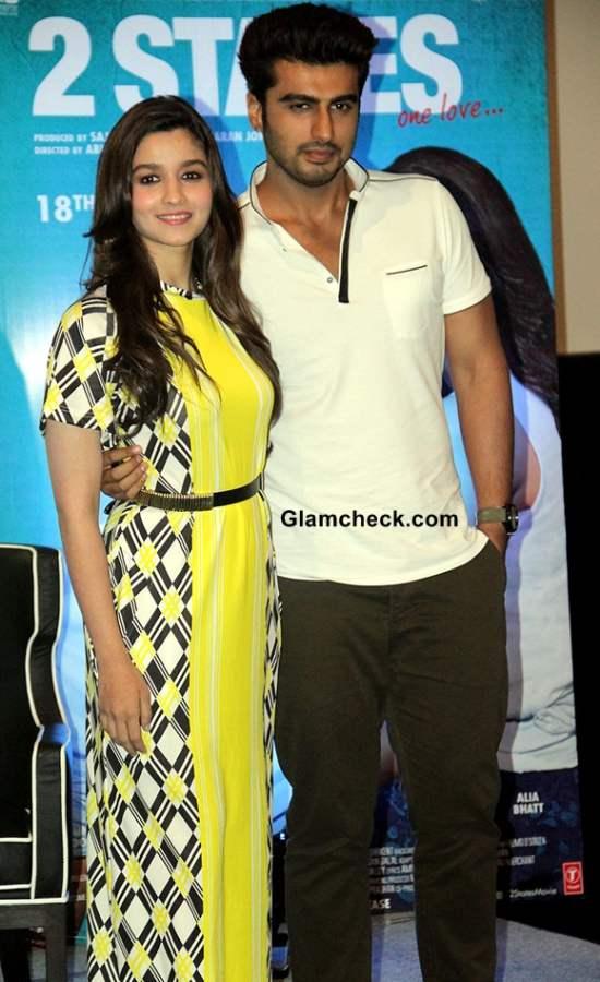 Alia Bhatt and Arjun Kapoor at 2 States Kolkata Promo
