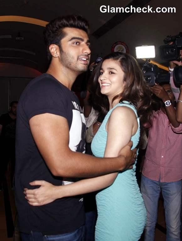 Arjun Kapoor Alia Bhatt Visit Theaters to See 2 States Response