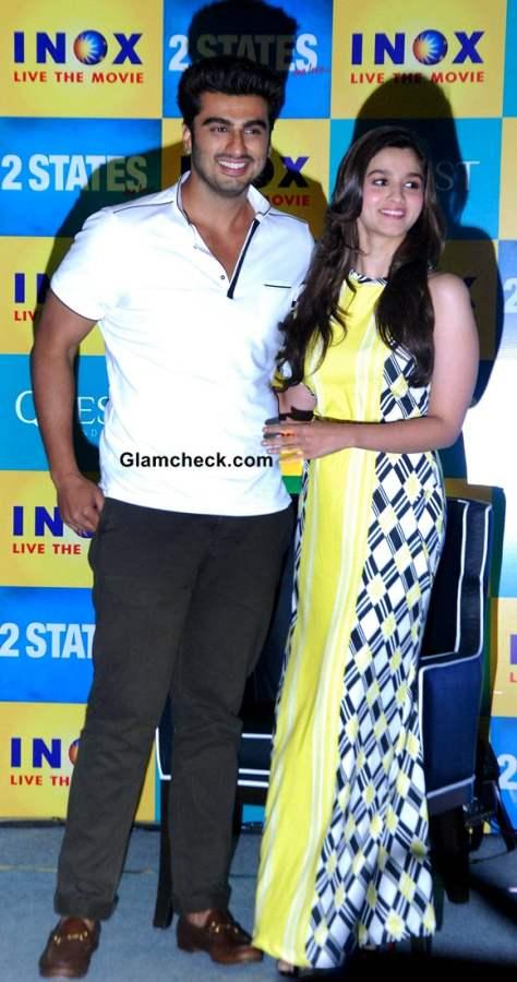 Arjun Kapoor and Alia Bhatt during 2 States Kolkata Promo
