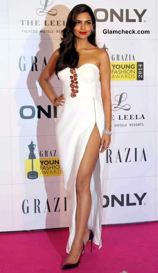 Esha Gupta in Nikhil Thampi White Gown