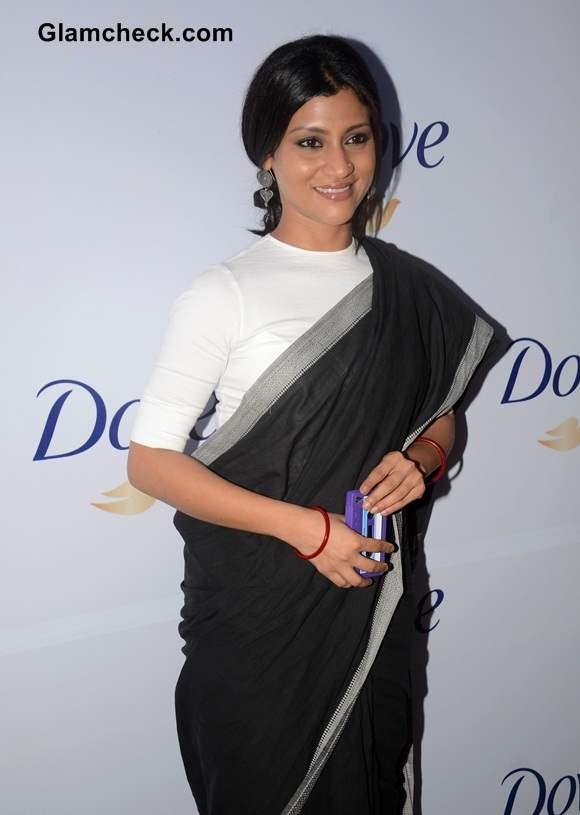 Konkona Sen Sharma Goes Monochrome in Black Sari With White Tee