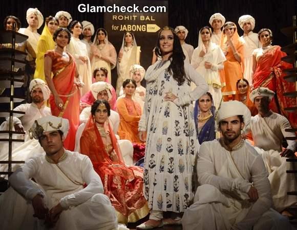 Shraddha Kapoor Walks the Ramp at Rohit Bals Jabong Show
