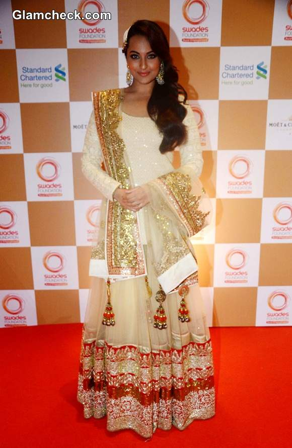 Sonakshi Sinha 2014 at Swades Foundation Fashion Show