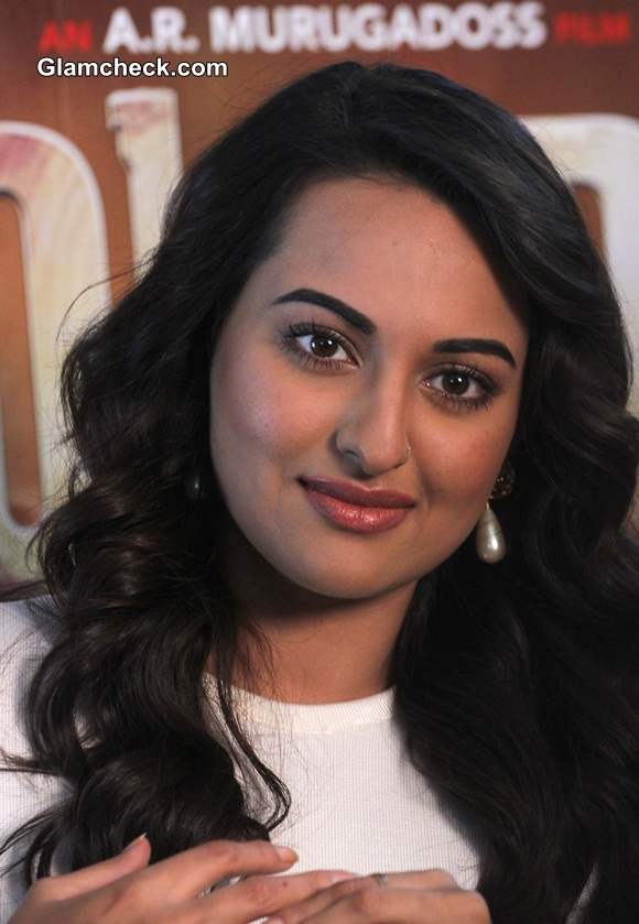 Sonakshi Sinha in Holiday Movie