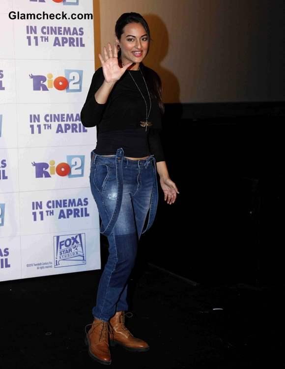 Sonakshi Sinha in Jeans 2014