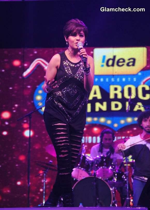 Sunidhi Chauhan Performs at Idea Rocks India Concert