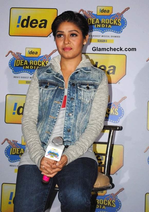 Sunidhi Chauhan during Idea Rocks India Concert Season 6 in Bhopal