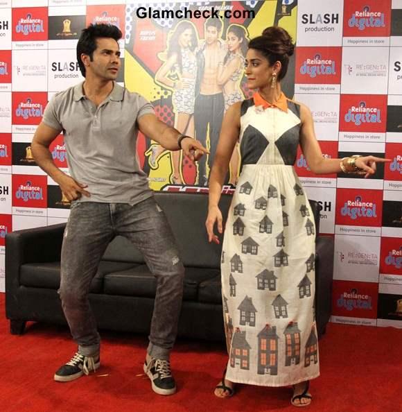 Varun and Ileana during Main Tera Hero Promotions