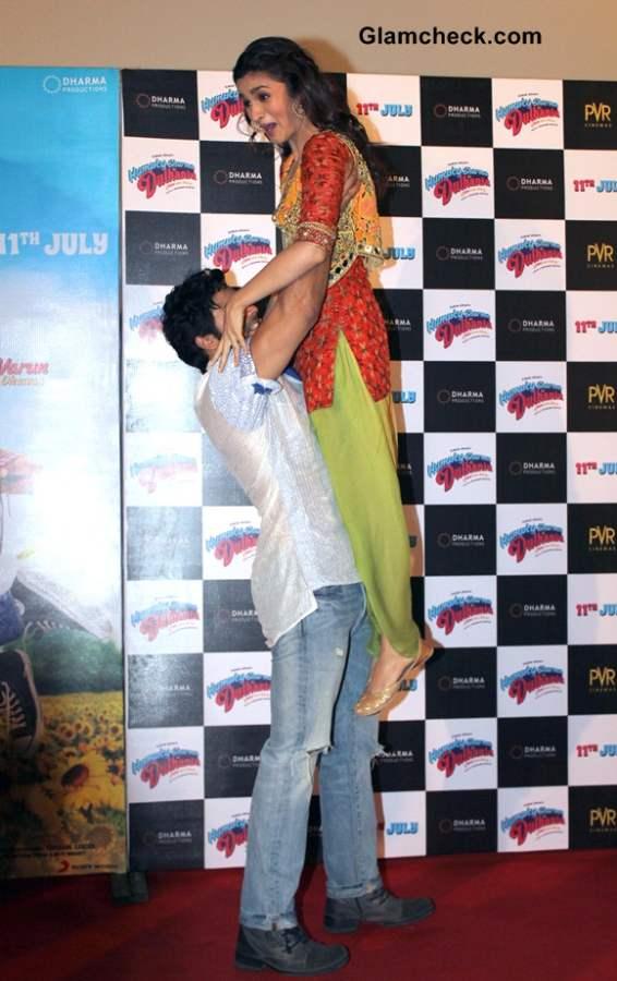 Alia Bhatt Varun Dhawan in Humpty Sharma Ki Dulhania