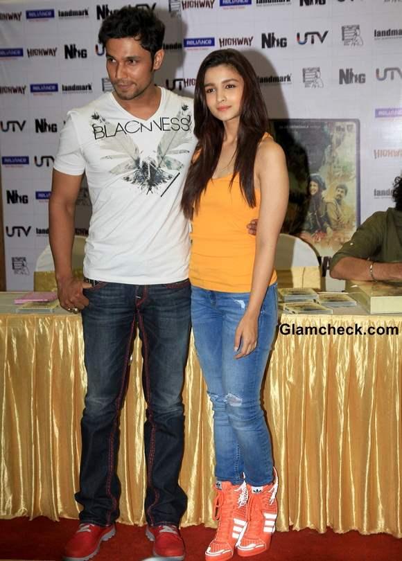 Alia Bhatt and Randeep Hooda Launch Highway DVD