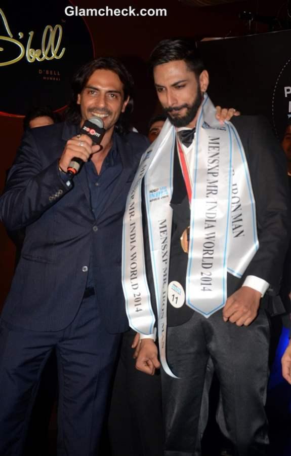 Arjun Rampal with winner Pratik Jain