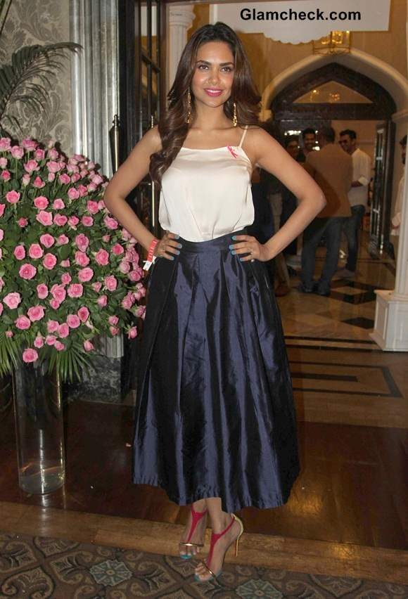 Esha Gupta outfit at ELLE Carnival for a Cause 2014