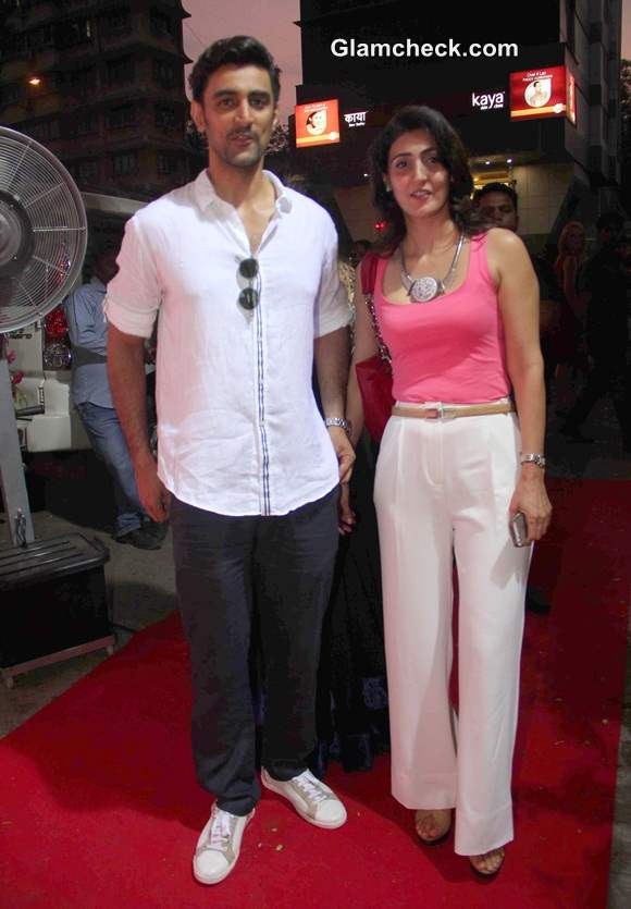 Kunal Kapoor with his sister at DVAR Fashion Store Launch