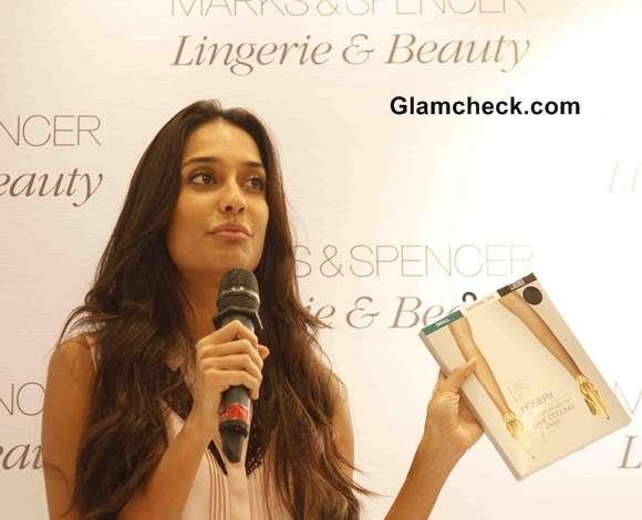 Lisa Haydon Launches Marks and Spencers Lingerie Store in Mumbai