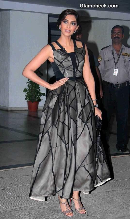 Sonam Kapoor 2014 at Karan Johars 42 Birthday Party