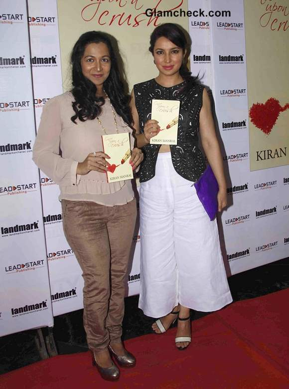 Tisca Chopra Launches Book Once Upon a Crush in AM-PM dress