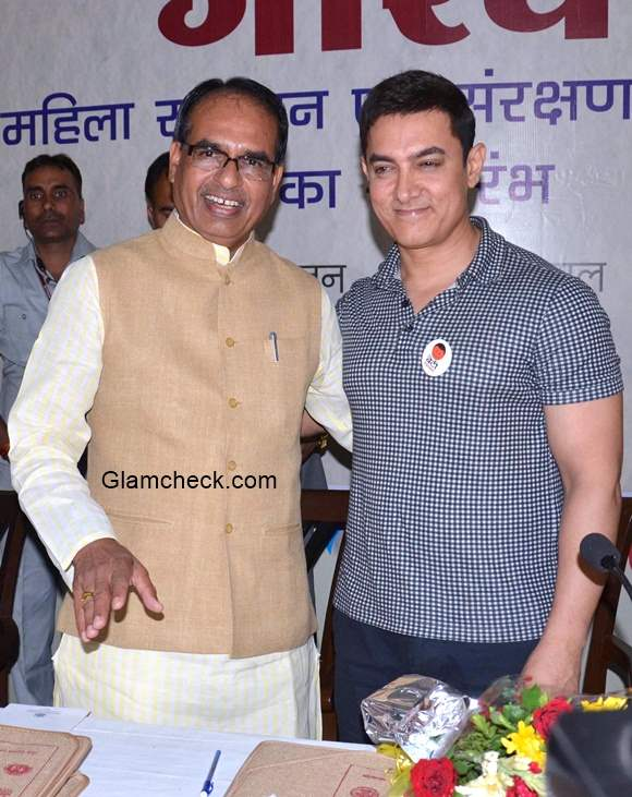 Aamir Khan Launches Crisis Centre for Women in Bhopal