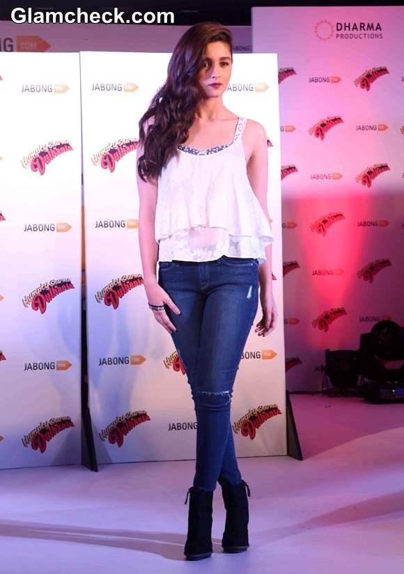 Alia Bhatt in Zara Promotes Humpty Sharma Ki Dulhania at Jabong event