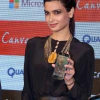 Diana Penty Launches Micromax Windows Phones