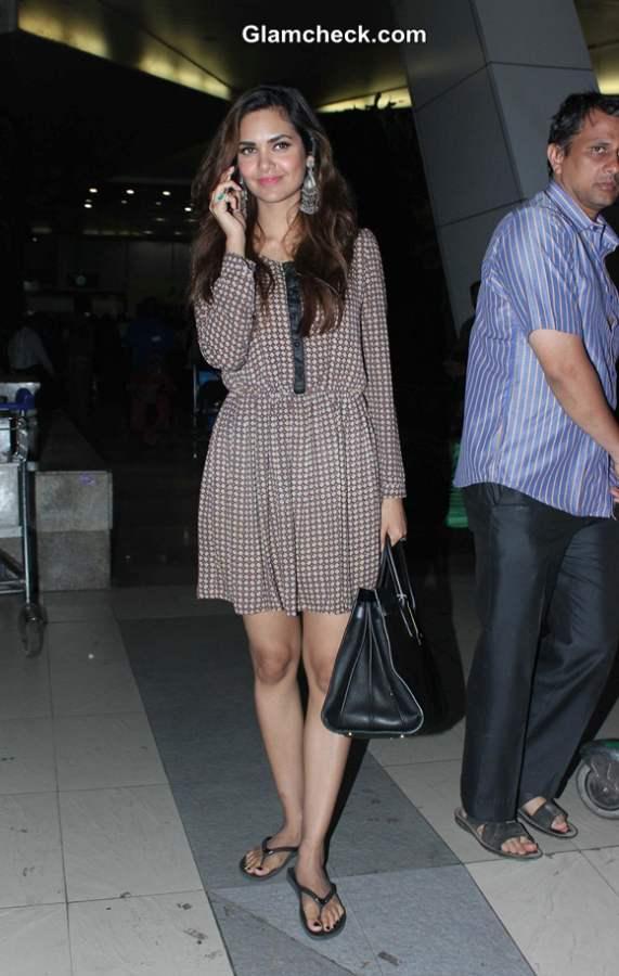 Esha Gupta Casual Style at Airport