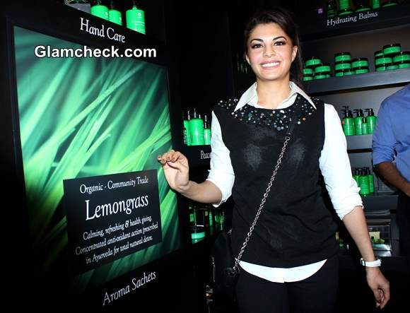 Jacqueline Fernandez Launches Srilankan Boutique Spa Ceylon
