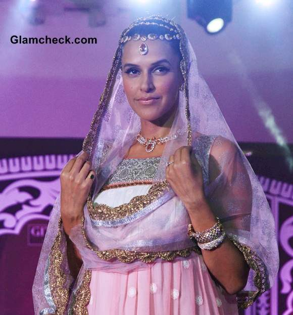 Neha Dhupia Show-stopper at Geetanjali Indian Wedding Couture Show 2014