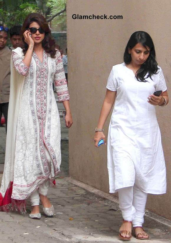 Priyanka Chopra 2014 Look for Day Out with NGO Kids
