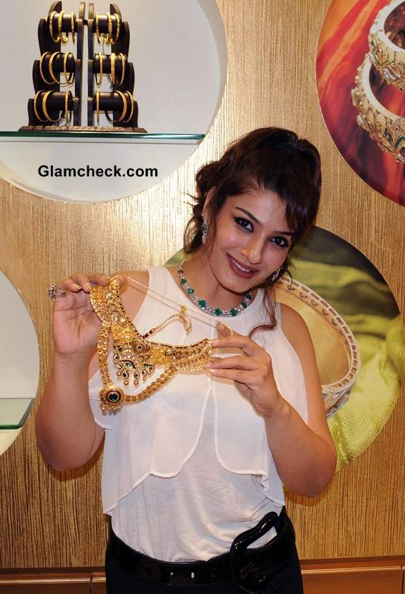 Raveena Tandon 2014 PC Jewellery Showroom Launch