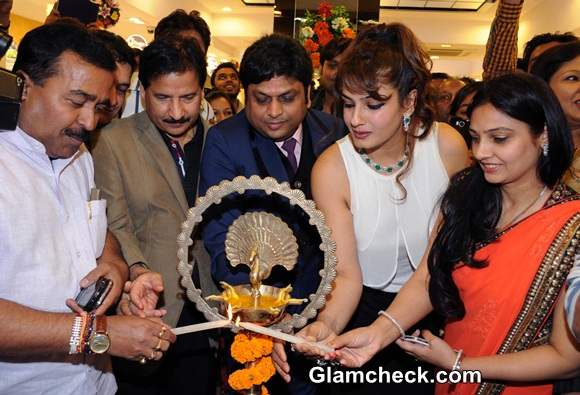 Raveena Tandon at PC Jewellery Showroom Launch