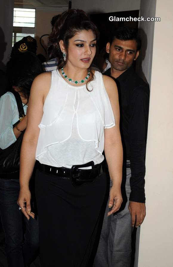 Raveena Tandon pictures 014