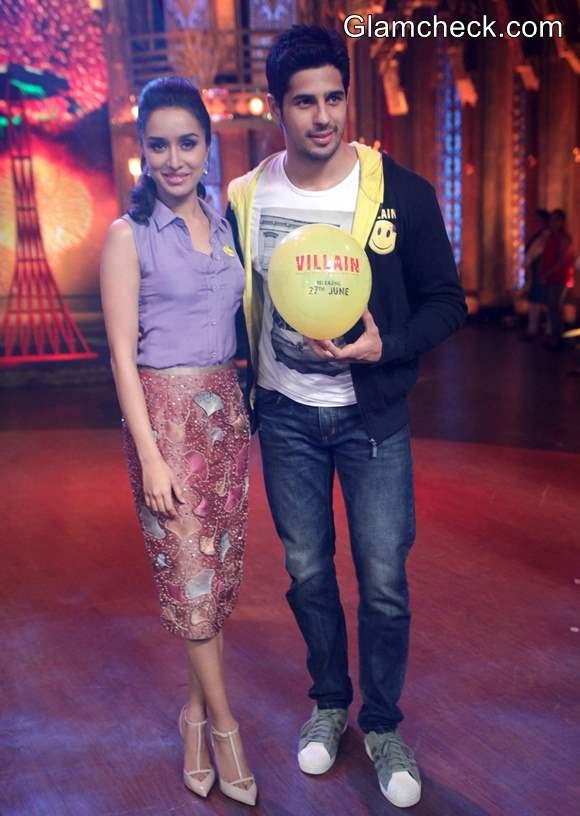 Siddharth and Shraddha Promote Ek Villain on Reality Show