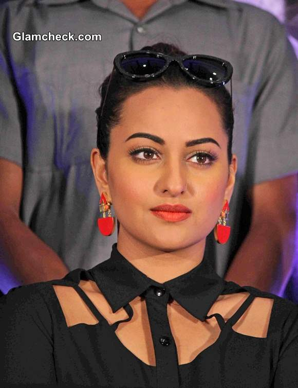 Sonakshi Sinha in cut-out detailed top at Holiday Press Meet