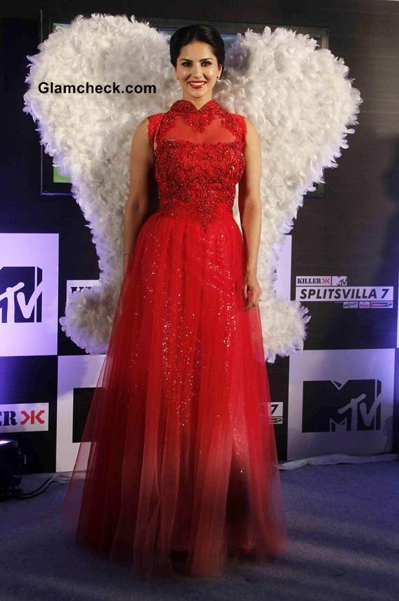 Sunny Leone Launches Splitsvilla Season 7 in Red Gown