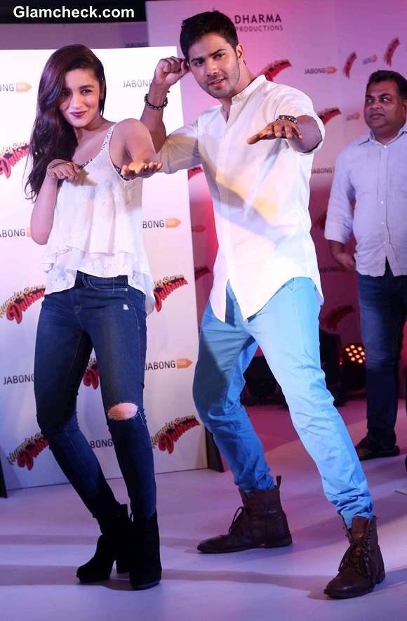 Varun Dhawan Alia Bhatt Promote Humpty Sharma Ki Dulhania at Jabong event
