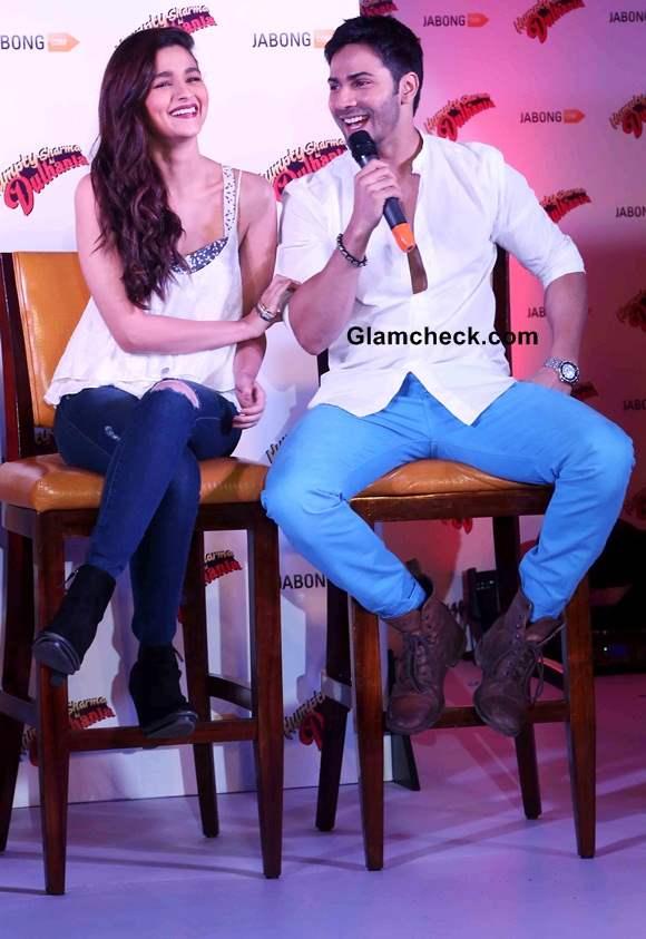 Varun Dhawan and Alia Bhatt Promote Humpty Sharma Ki Dulhania at Jabong event