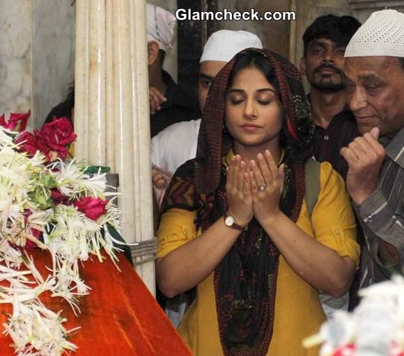 Vidya Balan Prays for Succes of Bobby Jasoos