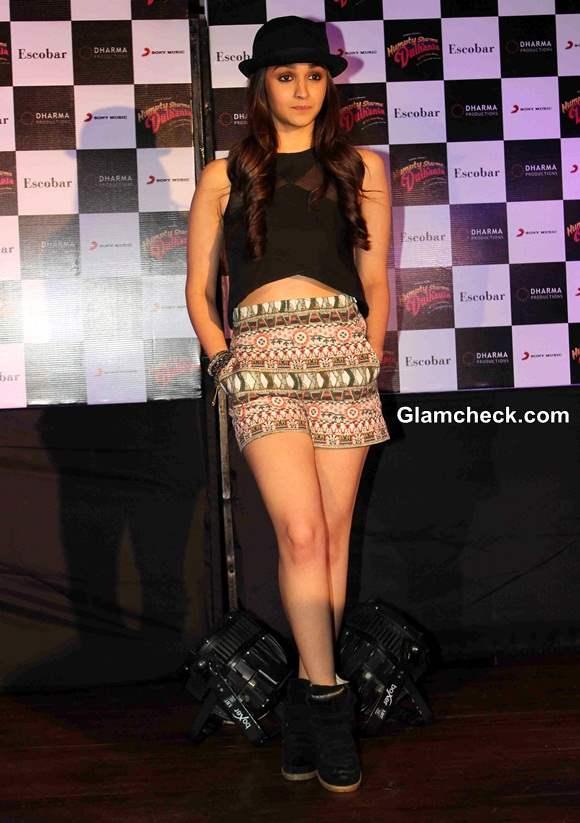 Alia Bhatt  Promotes Humpty Sharma Ki Dulhania in Mumbai