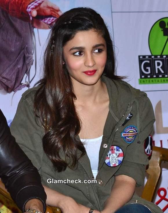 Alia Bhatt Promotes Humpty Sharma ki Dulhania in Kolkata