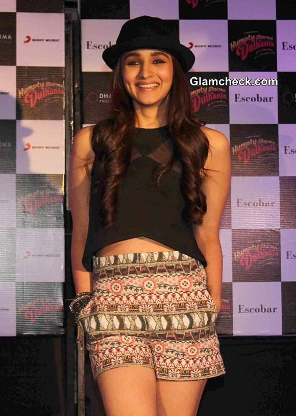 Alia Bhatt at Humpty Sharma Ki Dulhania Promotions in Mumbai