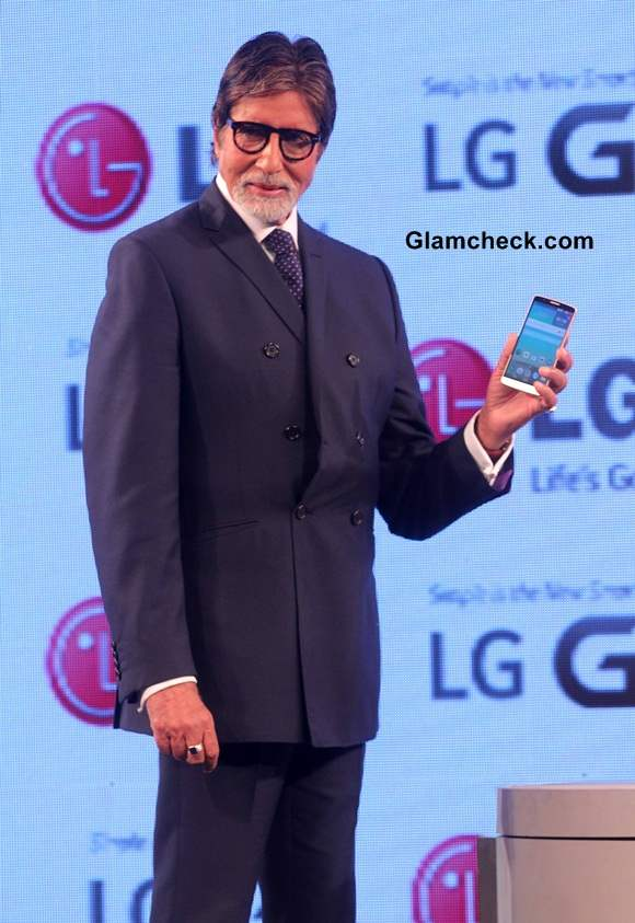 Amitabh Bachchan Launches LG G3 for Indian Market pics