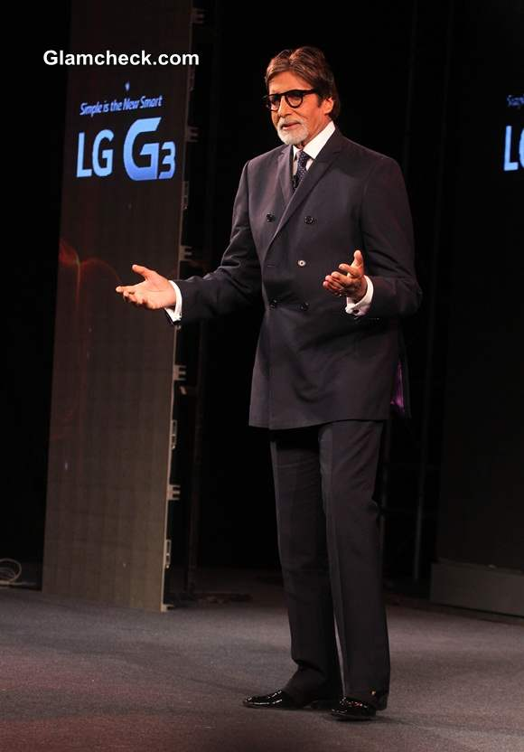 Amitabh Bachchan Launches LG G3 for Indian Market
