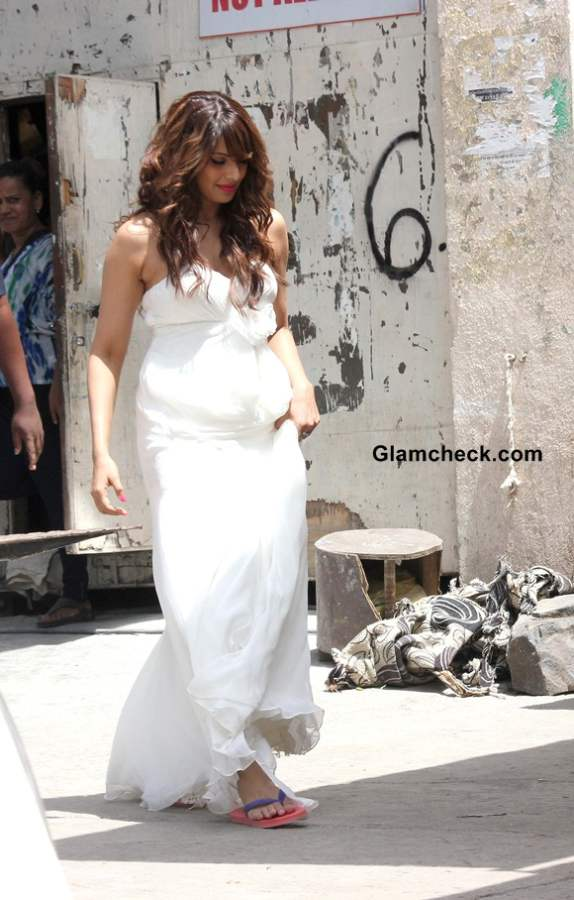 Bipasha Basu 2014 In White Gown