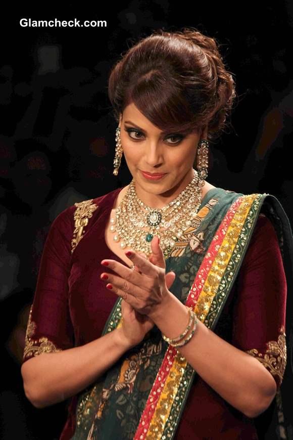 Bipasha Basu IIJW 2014 PC Jewellers