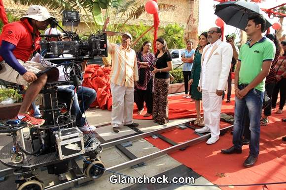 Cast of Hume Toh Loot Liya at On-location Shoot