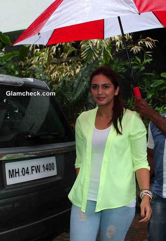 Celeb Monsoon style Huma Qureshi