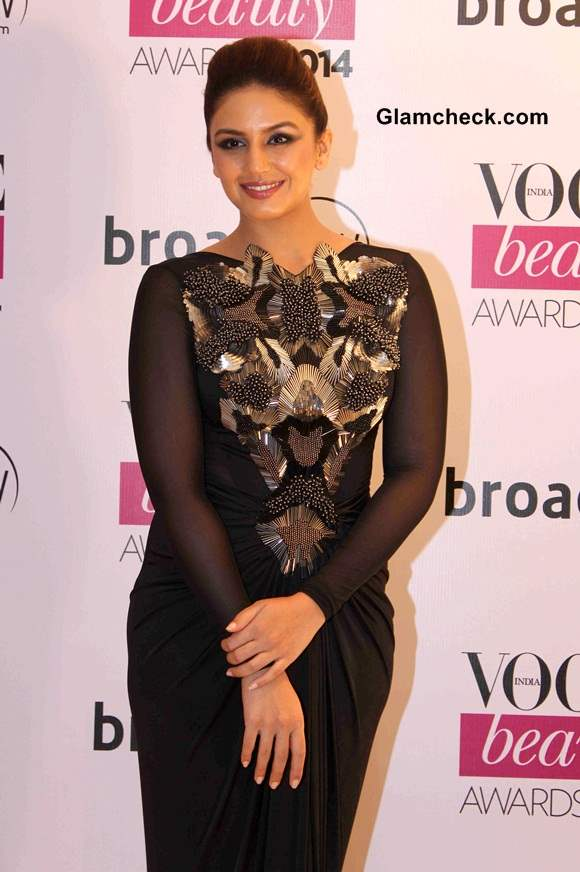 http://cdn.glamcheck.com/bollywood/files/2014/07/Huma-Qureshi-in-Amit-Agarwal-Vogue-Beauty-Awards-2014.jpg