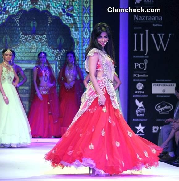 IIJW 2014  Chitrangada Singh for Moni Agarwal