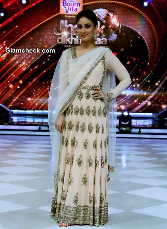 Kareena Kapoor in Manish Malhotra Outfit on Jhalak Dikhlaja Season 7