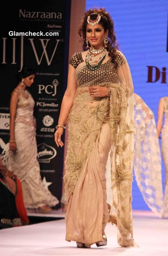 Raveena Tandon for Dipti Amisha at IIJW 2014
