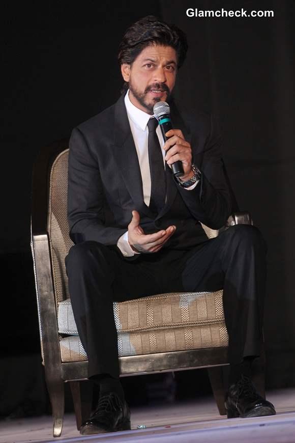 Shahrukh Khan Suave in Black Suit at Gitanjali Gems Eventually